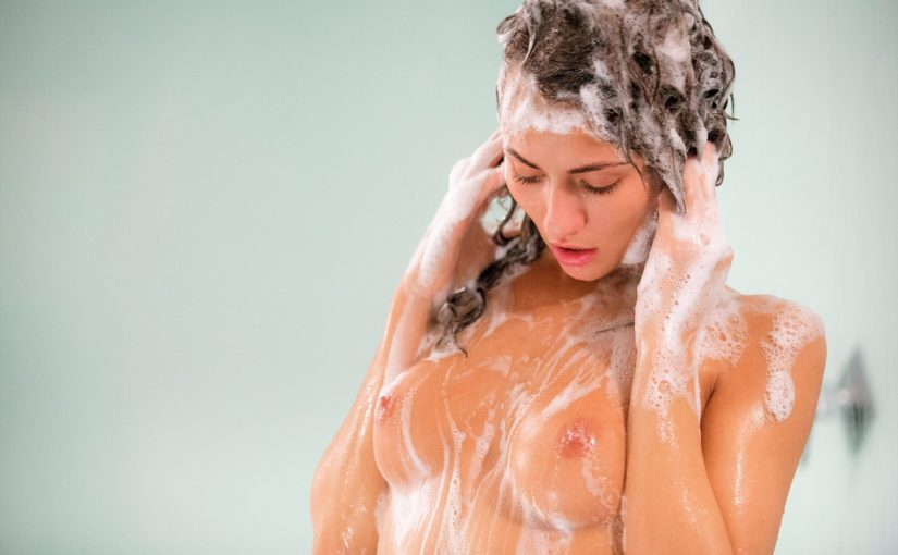55 Cute Nude Girls Showering Softcore Photo Collection